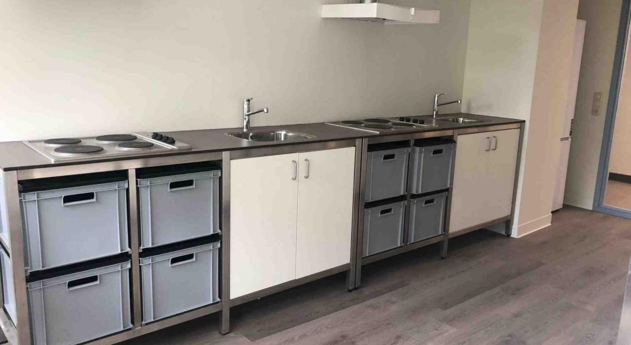 pantries - bartafels - kastblokken Duindoornflat Groningen - Harryvan Interieurbouw