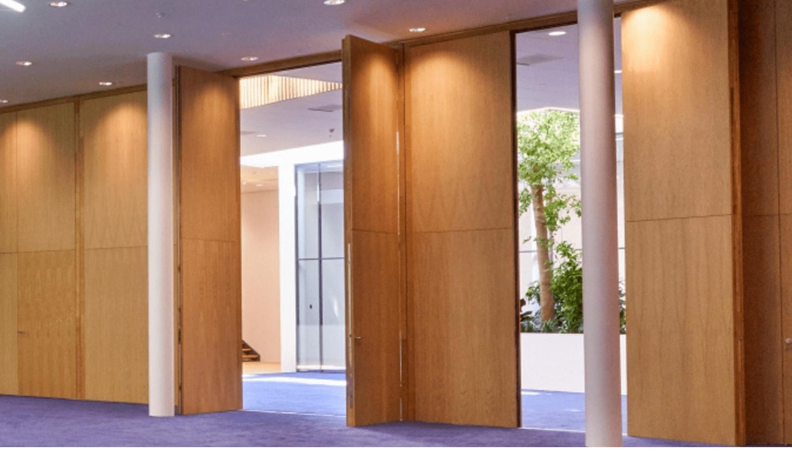 NCIA grote scharnierdeur van Harryvan Interieurbouw